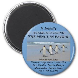 Kühlschrankmagnetunendlichkeit Penguinpatrouille Runder Magnet 5,7 Cm