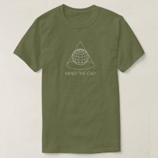 Kümmern Sie sich um Gap (konische Projektion - T-Shirt