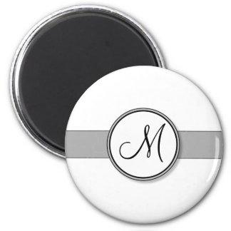 Kundengerechte Spalte-Monogramm-Siegel-Schablone Runder Magnet 5,7 Cm