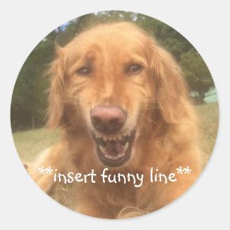 Kundengerechter lächelnder Hund des Aufklebers Runder Aufkleber