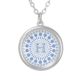 Kundengerechtes Monogramm-Blau kreist Halskette