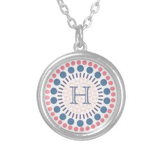Kundengerechtes Monogramm kreist Halskette ein