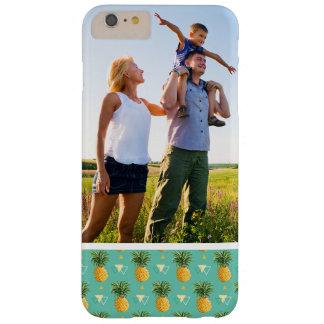 Kundenspezifische Foto-Ananas auf geometrischem Barely There iPhone 6 Plus Hülle