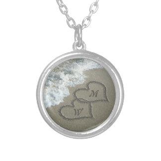 Kundenspezifische Initialen, Liebe-Herzen auf Halskette Mit Rundem Anhänger