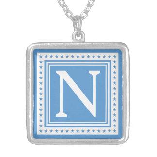 Kundenspezifische Monogramm- u. Farbhalskette Halskette Mit Quadratischem Anhänger