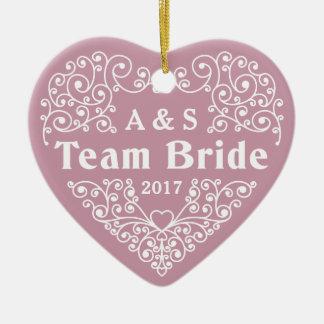 Kundenspezifische Monogramme der Team-Braut u. Keramik Ornament