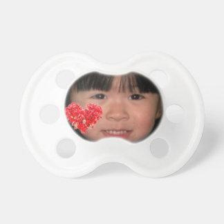 Kundenspezifischer Foto-Schnuller mit rotem Schnuller