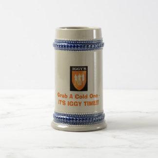 Kundenspezifischer Stein - ergreifen Sie ein Bierglas