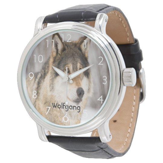 Kundenspezifischer Wolfgesichtskopf in einem Armbanduhr