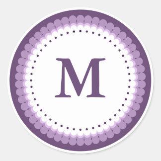 Kundenspezifisches lila ausgebogtes Monogramm Runder Aufkleber