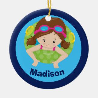 Kundenspezifisches Schwimmteam-Mädchen Rundes Keramik Ornament