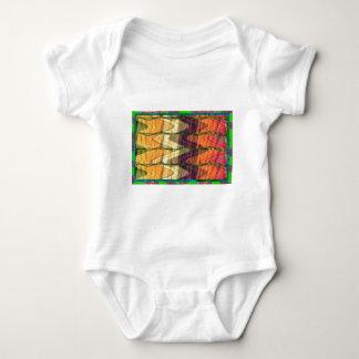 Kunst abstrakt von bunten Bio Bauernhofkarotten 99 Baby Strampler