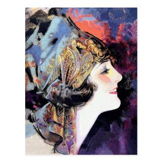 Kunst-Deko-Frau im Schal Postkarte
