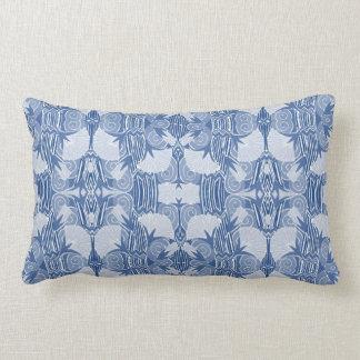 Kunst-Deko-Muster - hellblaue Schatten Lendenkissen