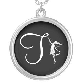 Kunst-Fee-Initiale: T Halskette Mit Rundem Anhänger