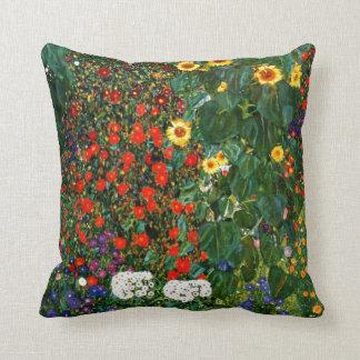 Kunst Gustav Klimt - bewirtschaften Sie Garten mit Kissen
