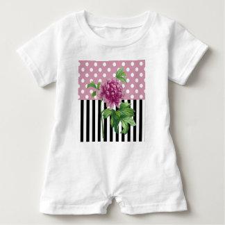 Künstlerische rosa Pfingstrose Baby Strampler