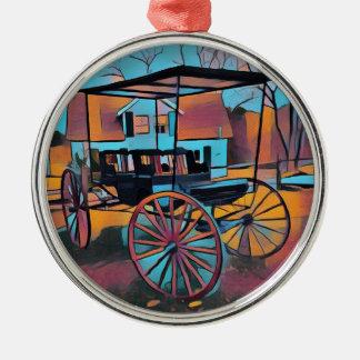 Künstlerischer Wagen vor Bauernhaus Rundes Silberfarbenes Ornament
