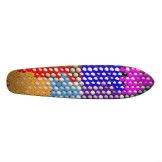 Künstlerisches Punktematrix-Muster Skateboard