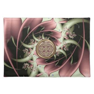 Kupfernes Sellerie-Fraktal mit keltischen Tischset