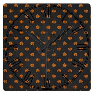 Kürbis-Tafel-Muster Halloweens orange Quadratische Wanduhr
