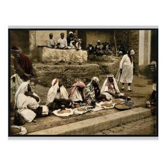 Kuskusverkäufer und ein arabisches Café, Tunis, Postkarte