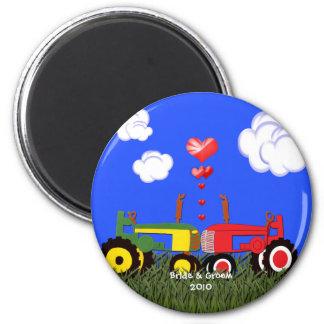 Küssen der Traktoren unter Herzen Runder Magnet 5,7 Cm