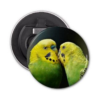 Küssen des Budgie Papageien-Vogels Runder Flaschenöffner