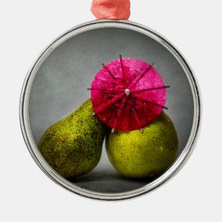 Küssen im Regen Rundes Silberfarbenes Ornament