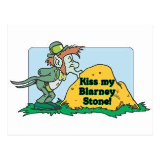 Küssen Sie meinen Geschwätz-Stein Postkarte