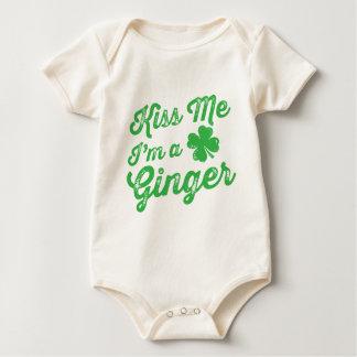 Küssen Sie mich, den ich ein Ingwer bin! Baby Strampler