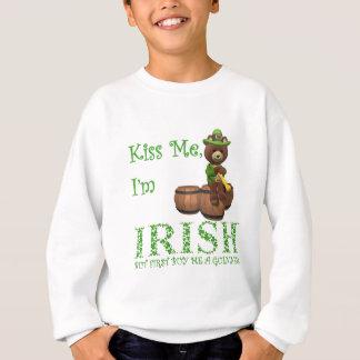 Küssen Sie mich, den ich irisch bin, aber ersten Sweatshirt