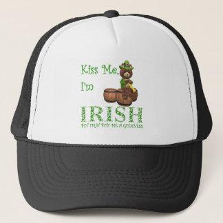 Küssen Sie mich, den ich irisch bin, aber ersten Truckerkappe