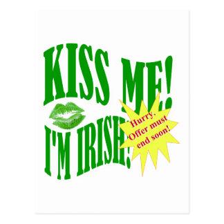 küssen Sie mich, den ich irisch bin, Angebotenden Postkarte
