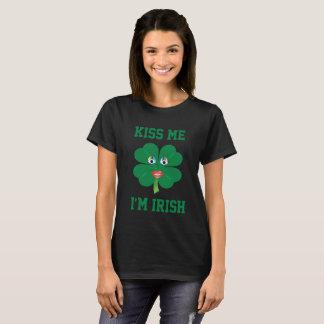 Küssen Sie mich, den ich irisch bin, Dame Luck Blk T-Shirt