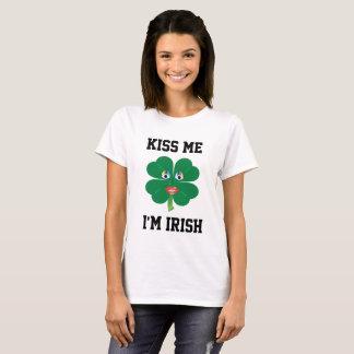 Küssen Sie mich, den ich irisch bin, Dame Luck T-Shirt