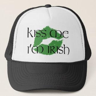 Küssen Sie mich, den ich irischer Hut bin Truckerkappe