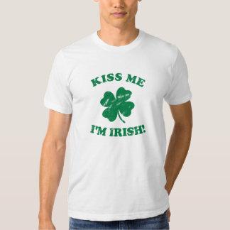 Küssen Sie mich, den ich irisches Vintages bin Tshirts