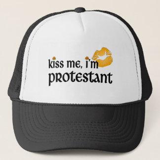 Küssen Sie mich, den ich protestierend bin Truckerkappe