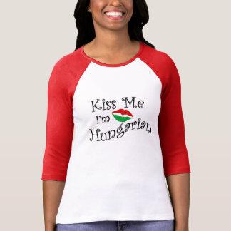 Küssen Sie mich, den ich ungarisches T-Stück bin T-Shirt