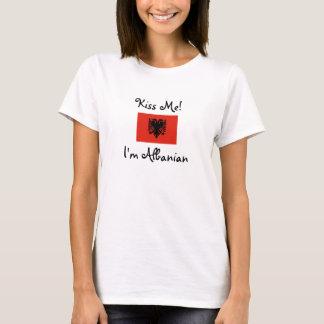 Küssen Sie mich! Ich bin albanisch T-Shirt