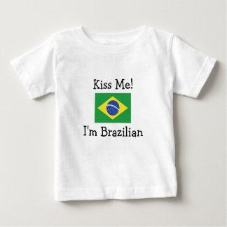 Küssen Sie mich! Ich bin brasilianisch Baby T-shirt
