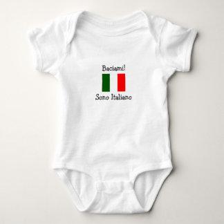 Küssen Sie mich! Ich bin italienisch (Junge) Baby Strampler