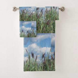 Küste-Sumpf und blauer Himmel Badhandtuch Set