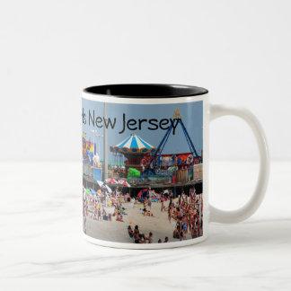 Küsten-Höhen-Kasino-Pier Zweifarbige Tasse