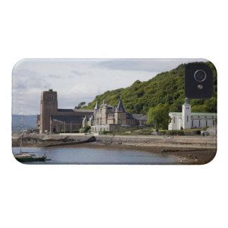 Küstenansicht mit historischen Gebäude, Oban, iPhone 4 Hülle
