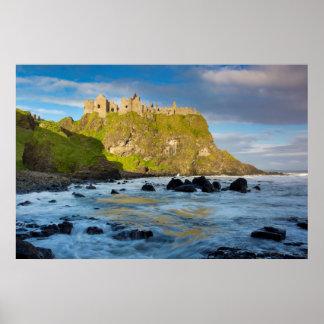 KüstenDunluce Schloss, Irland Poster