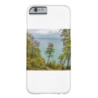 Küstenwald auf der Ostseeküste Barely There iPhone 6 Hülle