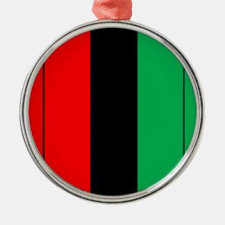 Kwanzaa färbt rotes schwarzes grünes rundes silberfarbenes ornament