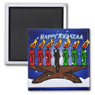 Kwanzaa-Kerze Kinara mit Schnee und Gruß Quadratischer Magnet
